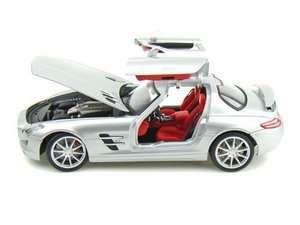 18 2011 MERCEDES BENZ SLS AMG GULLWING DIECAST SILVER MODEL CAR