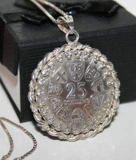 LARGE 1967 VINTAGE 25 SCHILLING COIN PENDANT & NECKLACE 925 STERLING