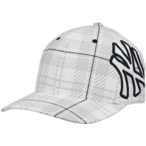 47 Brand New York Yankees White Provoker Closer Flex Fit