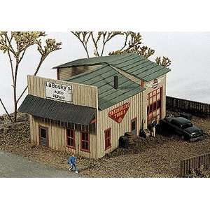 JL Innovative N Scale Laboskys Auto Repair Kit Toys & Games