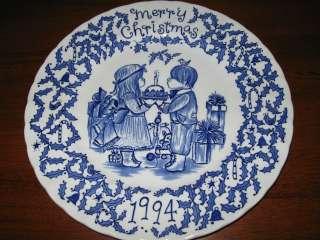 ROYAL CROWNFORD CHRISTMAS PLATE  BLUE  1994 STAFFORDSHIRE ENGLAND