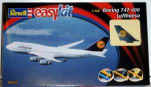Revell Model Kit   Boeing 747 400 Lufthansa 06641 NEW