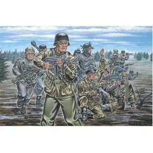 Revell 172 German Infanry WWII oys & Games