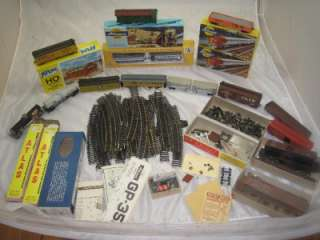 HUGE VINTAGE ATHEARN HO TRAIN SET TRACKS & LOCOMOTIVE LOT