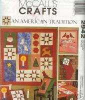 MCCALLS CHRISTMAS QUILT WALL HANGING & STOCKING PATTERN