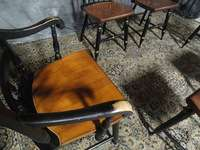 BEAUTIFUL SET SIGNED HITCHCOCK FARMHOUSE DINING ROOM CHAIRS