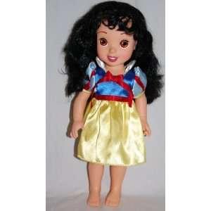 Disney Snow White Posable Doll 15