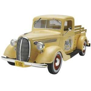 25 1937 Ford Pickup Street Rod 2n1 Truck Model Kit Toys & Games